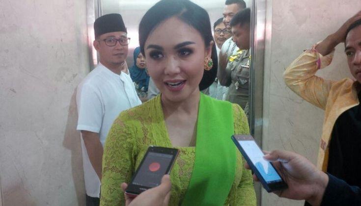 Yuni Shara : Selamat Hari Kartini Bagi Perempuan - Memperingati Hari Kartini setiap tahunnya, Yuni Shara artis ibukota menyempatkan untuk pulang ke kota kelahirannya, Kota Batu  - https://satuchannel.com/yuni-shara-selamat-hari-kartini-bagi-perempuan/