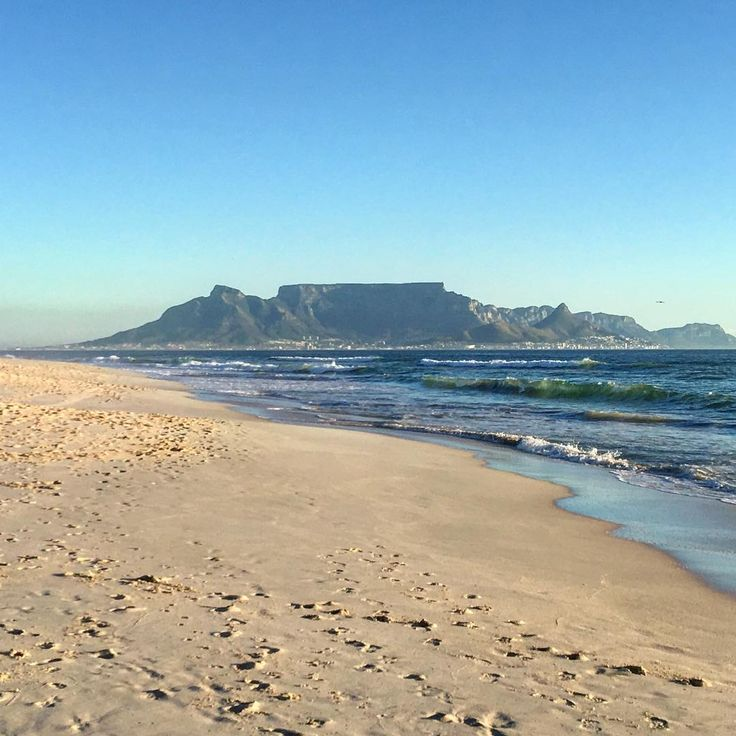 Never gets old and I can never have too many photos of that moutain. #hometownglory #capetown
