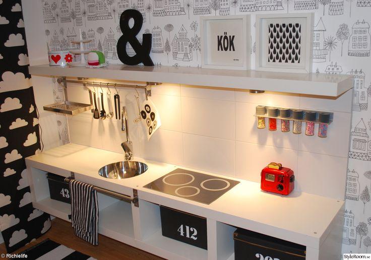 IKEA LACK hyllor, överblivet kakel o en jäkla fantasi!