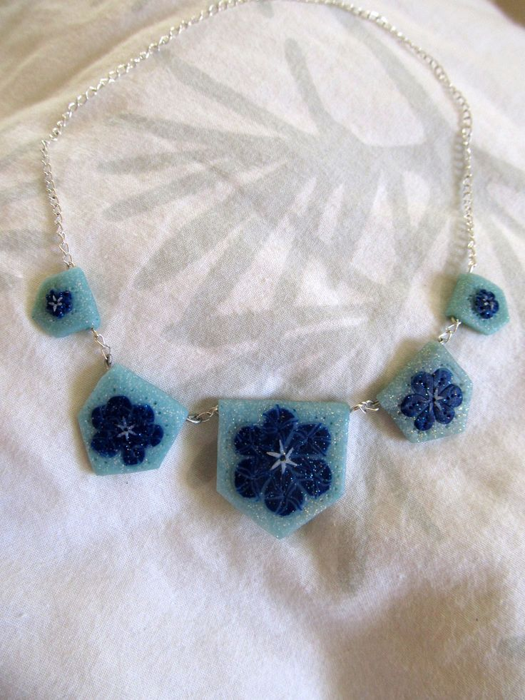 blue flower patterned necklace #flower #clay