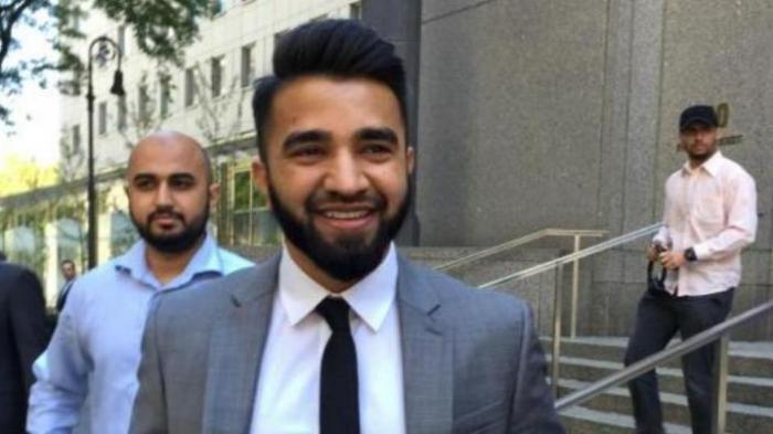 Diskors karena Pelihara Janggut Seorang Polisi Muslim Tuntut Kepolisian New York ke Pengadilan  Masood Syed anggota kepolisian New York menangi tuntutannya  NEW YORK (SALAM-ONLINE): Seorang polisi Muslim yang berada di bawah Departemen Kepolisian Kota New York (NYPD) diskors dari NYPD pada 21 Juni lalu tanpa gaji karena menolak mencukur janggut.  Tak terima dengan skors itu Massod Syed polisi Muslim tersebut menuntut NYPD pada Rabu (22/6) dengan menegaskan bahwa melarang berjanggut adalah…
