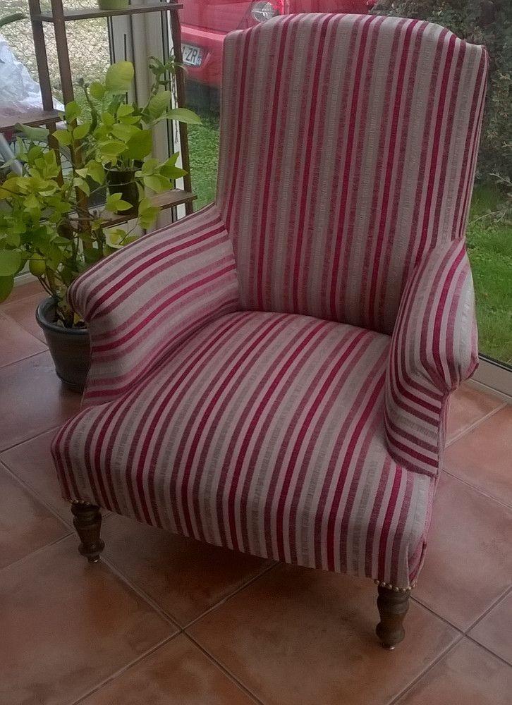 1000 id es propos de fauteuil anglais sur pinterest - Chaise fauteuil tissu ...