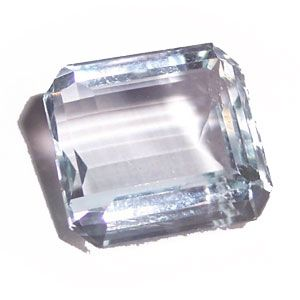This 20.05 cts Blue Aquamarine Emerald Cut gemstone is now in a magnificent cocktail ring in yellow gold, lucky girl!