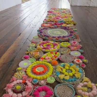 Amazing DIY Rope Rug: Diy'S Rugs, Pompom, Crochet Rugs, Tables Runners, Free People, Handmade Rugs, Pom Pom, Girls Rooms, Ropes Rugs