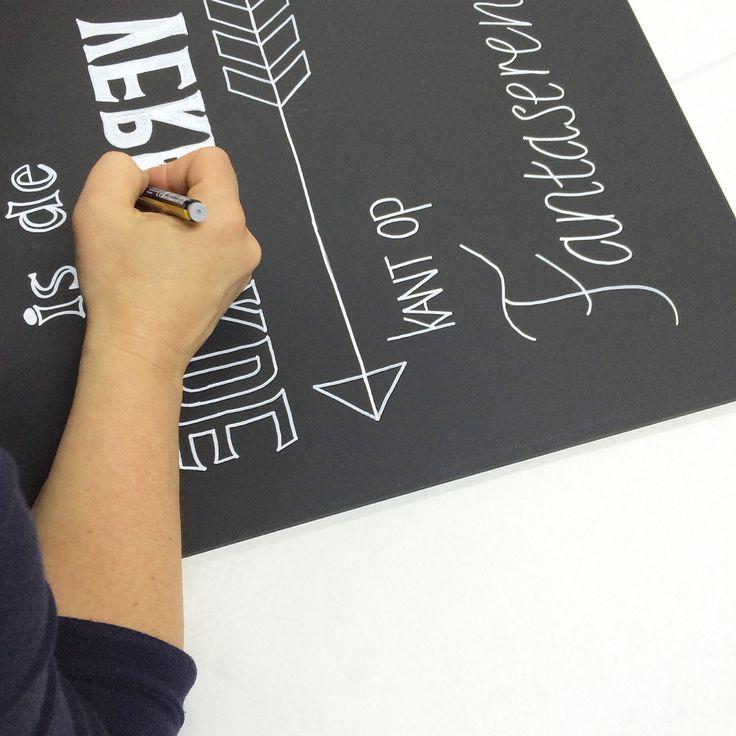 workshop chalkboard!   Wil je deze workshop ook komen doen? Meer info en opgeven op www.vanonzetafel.nl/workshops  #workshop #chalkboard #typografie #illustreren #handlettering
