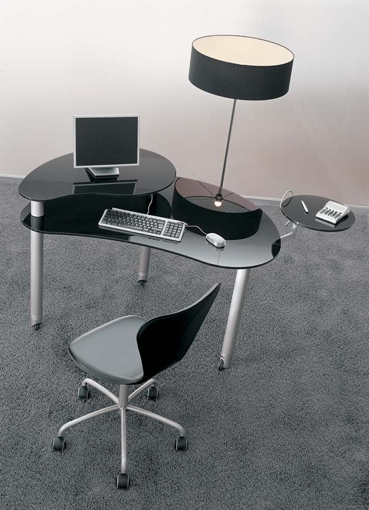 Futuristic Ergonomic Office Chair Complete With Dark Glass Small Computer  Table