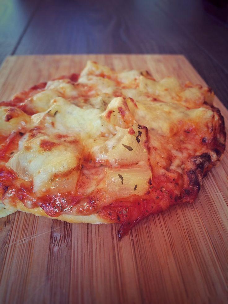Dinkel Pizzateig - super lecker, Dinkel Pizza mit Ananas oder Salami einfach…