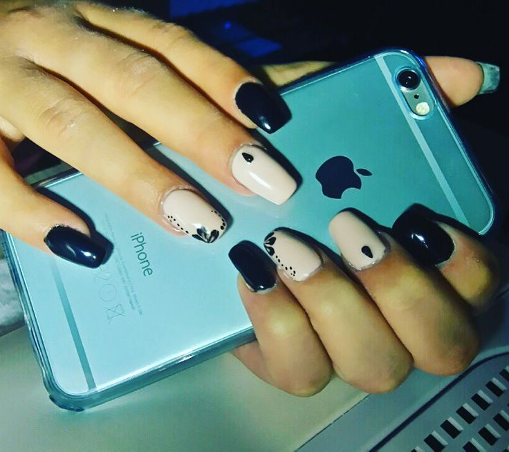 #nails#black#nude#flowers#lovenails#nailsart#apple#iphone#iphone6#blue