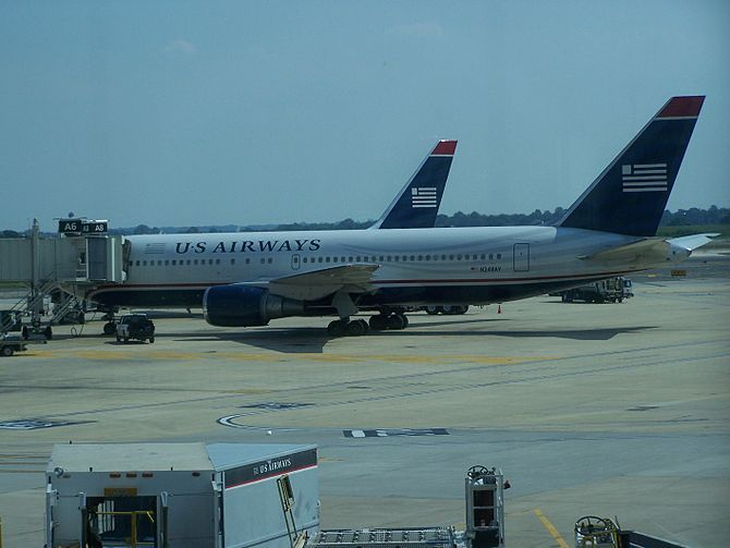 At American Airlines, The Life Of The Boeing 767-200 Is Winding Down  English: Us Airways Boeing 767-200s at Philade...