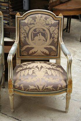 Fauteuil style Louis XVI soie sauvage