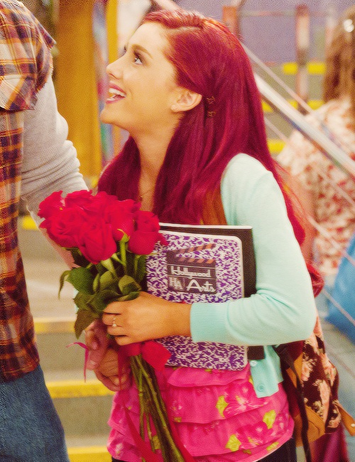 Ariana Grande on Victorious starring at Mousse who's Canadian