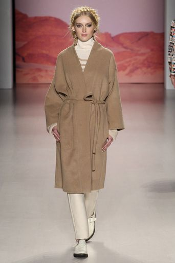 マラ・ホフマン(MARA HOFFMAN) | 2015-16秋冬プレタポルテコレクション(2015-16A/W Prêt à Porter Collection) | コレクション(COLLECTION) | VOGUE