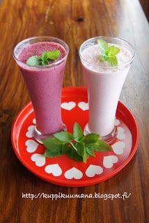 Ihan oikea blogi?: Ihania kotimaisia marjoja nautitaan smoothiessa ja rahkassa