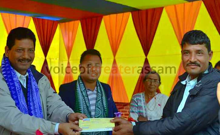 Kins Of Man Elephant Conflict Victims Receive Ex Gratia Cheques In