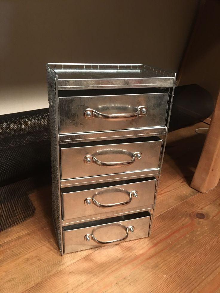 セリアのブリキボックスで作る工具なしで出来る超簡単小物収納(part3)