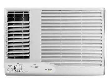 Ar-condicionado de 21.000 BTUs. Refrigera e ventila. Dupla saída de ar, filtro lavável e 2 velocidades. Compressor rotativo, gabinete deslizante e eficiência energética classe A.