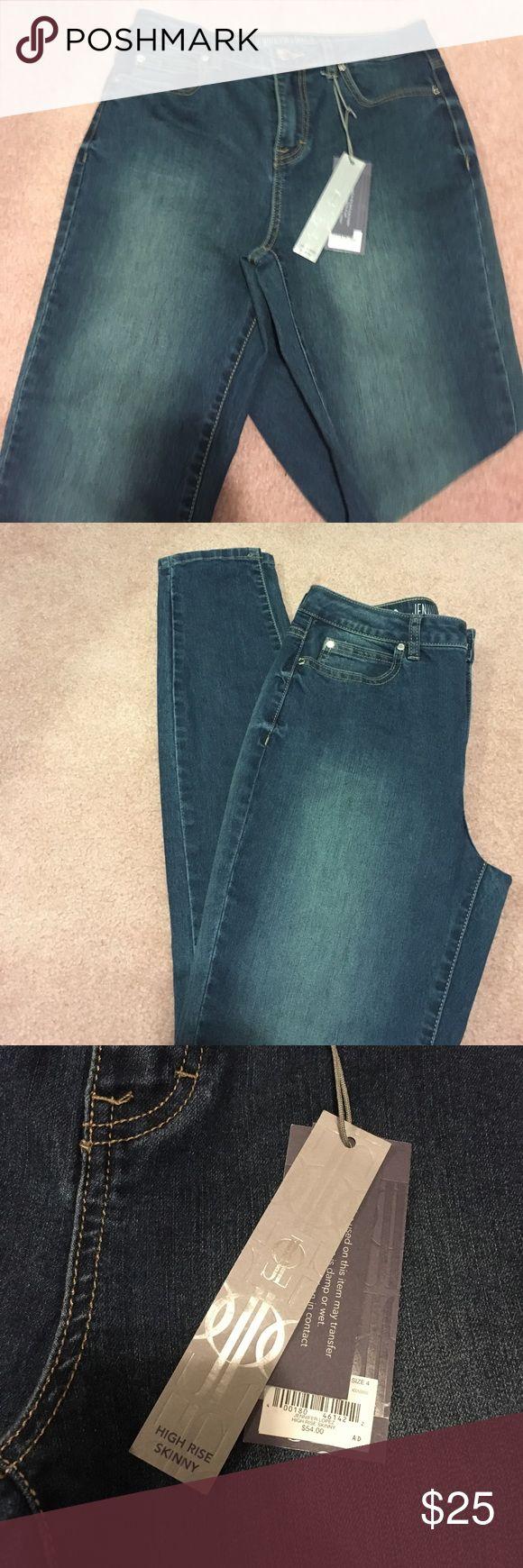 Jennifer Lopez high rise skinny jeans Size 4 high rise skinny jeans Jennifer Lopez Jeans Skinny