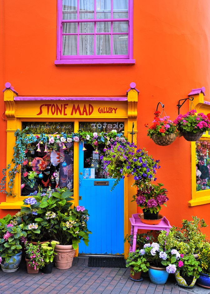stone mad gallery in kinsdale west ireland - Coloration Martine Mah Composition