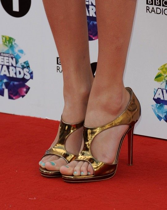 Top Sexiest Celebrity Feet Ranked By WikiFeet | TheRichest