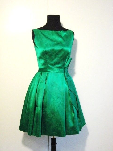 .: Green Cocktails Dresses, Emeralds Green Dresses, Color, Pin Today, Bridesmaid Dresses, Coolest Pin, 1950 S Emeralds, Random Pin, Vintage Green
