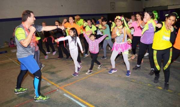 A puro ritmo y colores fluo, Tigre realizó una masterclass de fitness