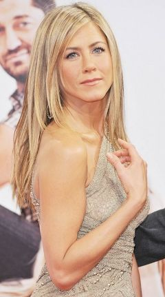 Jennifer Aniston's Long Straight Layers.