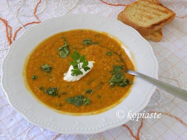 Κόκκινες φακές σούπα με γάλα καρύδας