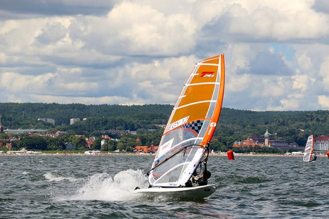 2016 BIC Techno 293 Plus European Championship - Day 3 Today Sopot showed more of its summer side. Despite light winds two races sailed and chance for the light wind specialist to show their skills. Winning of losing everybody enjoyed the day at the beach and on water.