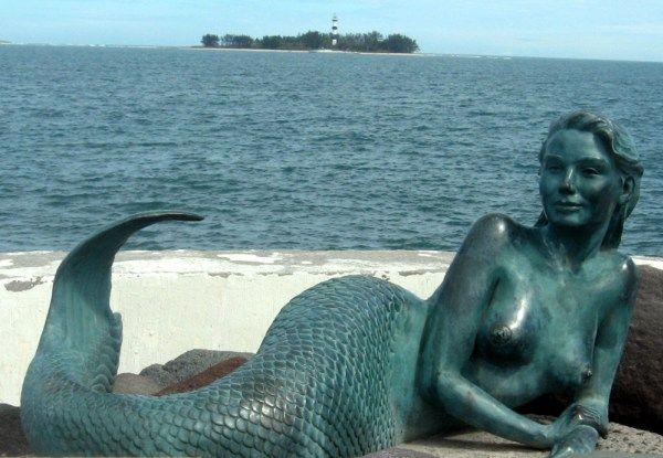 The mermaid statue sirena de boca in boca del rio - Colorazione sirena pagina sirena ...