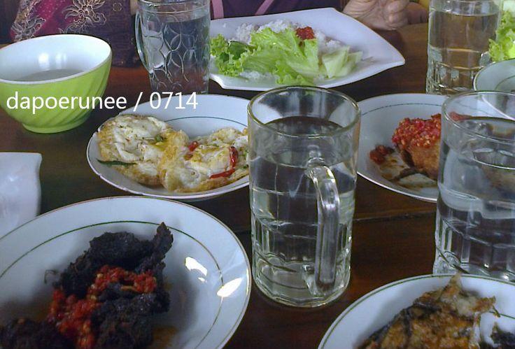 Our lunch at Pulang kampuang, Solok, Sumatera Barat