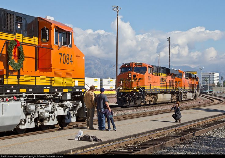 RailPictures.Net Photo: BNSF 7084 BNSF Railway GE ES44C4 at San Bernardino, #train