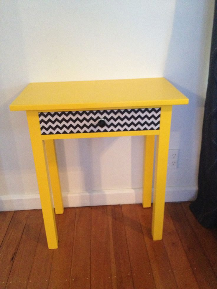 Cute little table. Love this! Brings a bit of colour to my lounge.