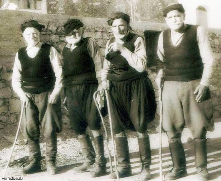 Old Cretan men