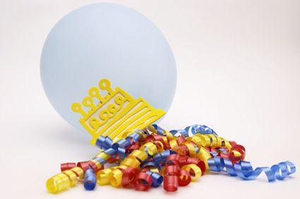 Ideas de decoración para una fiesta de cumpleaños número 30 | eHow en Español