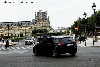 Автомобиль Peugeot 308, который признан победителем европейской премии «Автомобиль 2014», вдохновил режиссера Люка Бессона, создателя новой кинокартины под названием «Люси» со всемирно известными актерами Морганом Фриманом и Скарлет Йохансон в главных ролях. Ее мировая премьера состоялась 25 июля, а украинский зритель смог оценить творение известного кинорежиссера 21августа 2014 года.