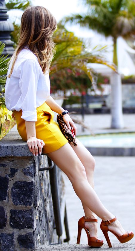 Karen Miller Mustard Textured Mini Skirt
