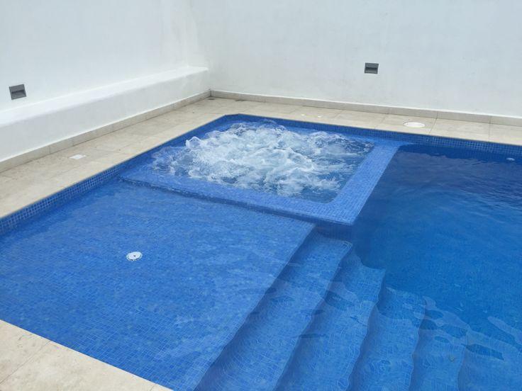 46 best piscinas 3cincuentayuno images on pinterest for Escaleras de piscinas para personas mayores