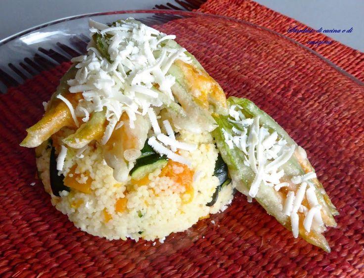 Cous cous con zucca, zucchine e fiori di zucca fritti per la ricetta:Cous cous con zucca, zucchine e fiori di zucca fritti