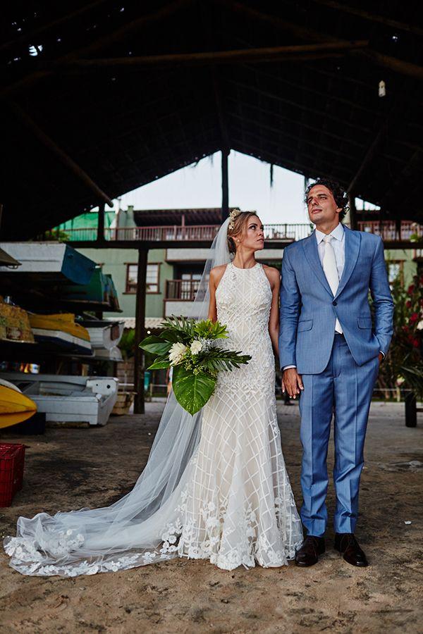 o casamento na Praia do Forte da estilista Nanna Martinez, da WhiteHall, com Rafael Parasmo