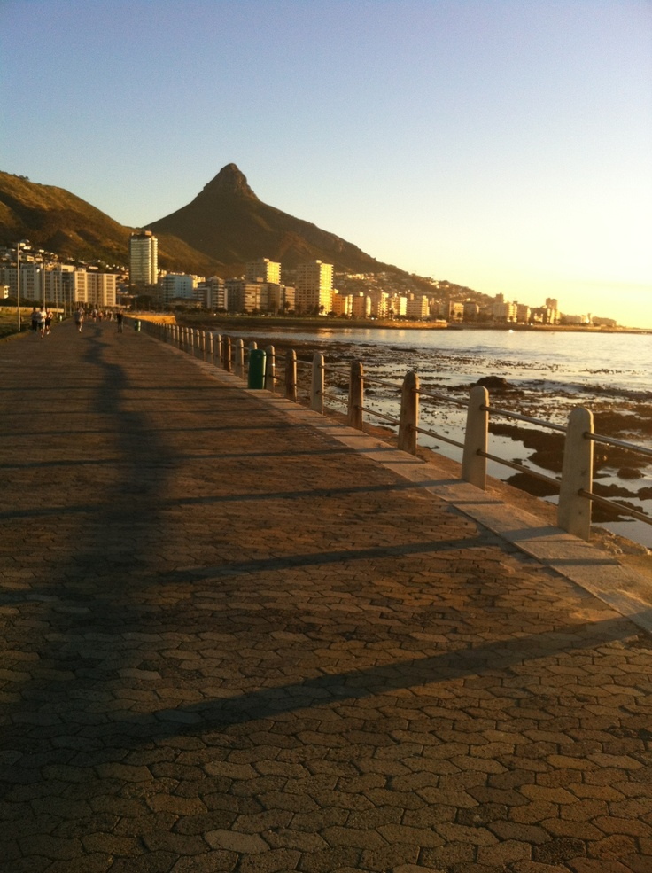 promenade@ moullie point - cape town