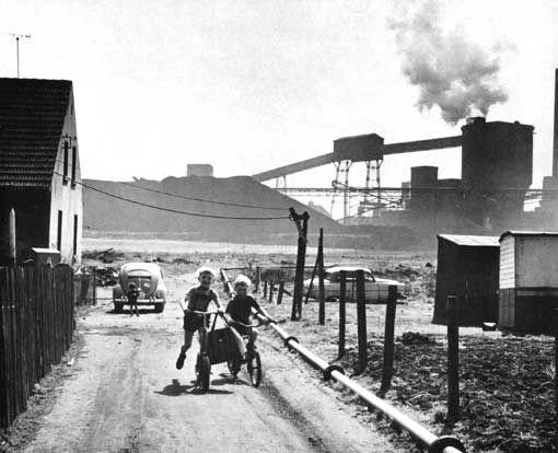 Lekende barn i Ruhr #historisk #historich