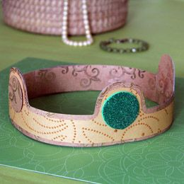 Queen Elinor's Crown...downloadable on Disney Family. Cute for a Brave party.