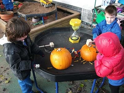 cool idea with pumpkins from learning for lifeHalloween Theme, Fall United, Cool Ideas, Daycares Dreams, Kids Fun