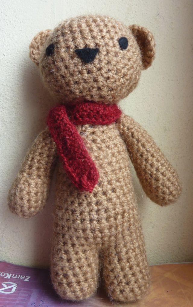 10 FREE Teddy Bear Crochet Patterns: Classic #Crochet Teddy Bear Free Pattern by Hook and Stitch Crafts