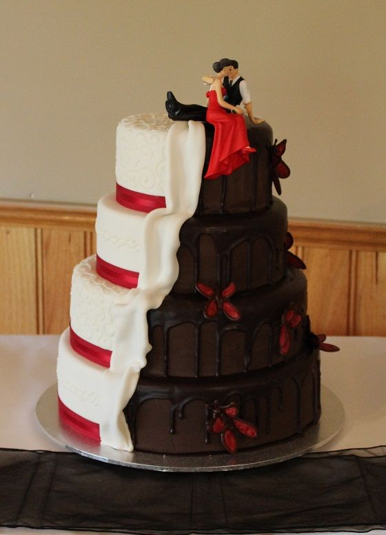 White and dark wedding cake by Regnier Cakes. #wedding #cake