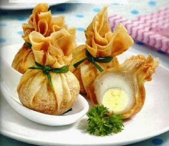 Gorengan sederhana seperti ekado yang dapat anda buat sendiri di rumah dengan resep dan cara yang sederhana. Ekado merupakan ragam gorengan yang banyak diminati, selain teksturnya yang crispy.Ekado merupakan gorengan yangn menyerupai buntelan yan...