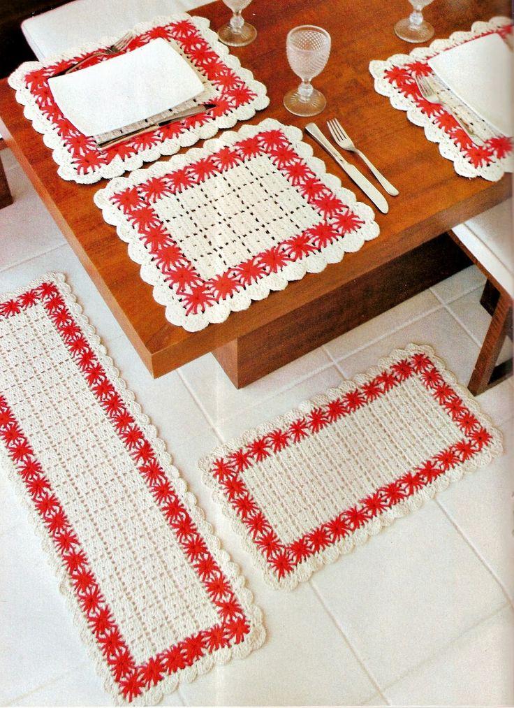 CROCHE COM RECEITA: Tapetes e americanos em crochê com bordado ponto i...