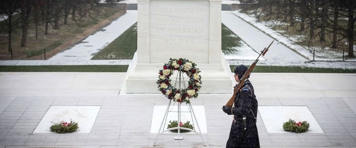 PHOTO: Sentinels from the 3d U.S. Infantry Regiment (The Old Guard) continue to stand guard at the Tomb of the Unknown Soldier at Arlington National Cemetery, Va., Jan. 22, 2016.