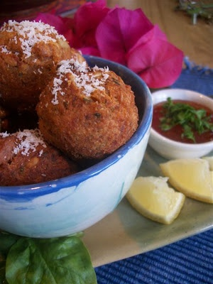 Bella Vegan: Chili Poppers...make LOTS, they disappear fast! :-)