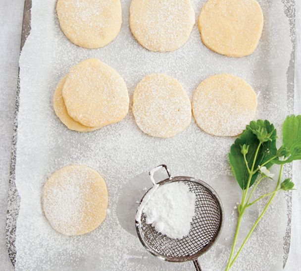 #RecipeOfTheWeek My Buttery Shortbread is so easy to make. It's a big batch so you can freeze or refrigerate half the dough and cook fresh cookies in a flash another day. The recipe's on my website here http://www.annabel-langbein.com/recipes/buttery-shortbread/949/